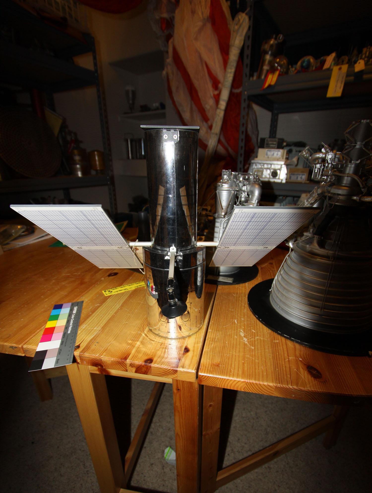 pennwalt model hubble space telescope - photo #42